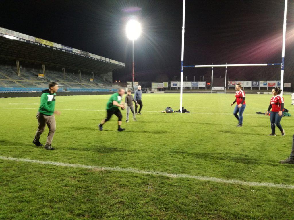 Bagnaria Arsa Juvenilia gioca a rugby al tocco ad agen con la capitana della nazionale femminile portoghese
